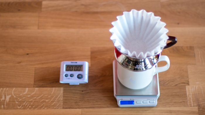 Craft Coffee Kalita Wave Brew Guide - Step 2